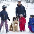 Le prince Frederik et la princesse Mary de Danemark, en compagnie de leurs enfants Christian (8 ans), Isabella (6 ans), Vincent et Joséphine (3 ans), avaient donné rendez-vous à la presse le 14 février 2014 à Verbier pour partager avec les photographes le début de leur séjour aux sports d'hiver.