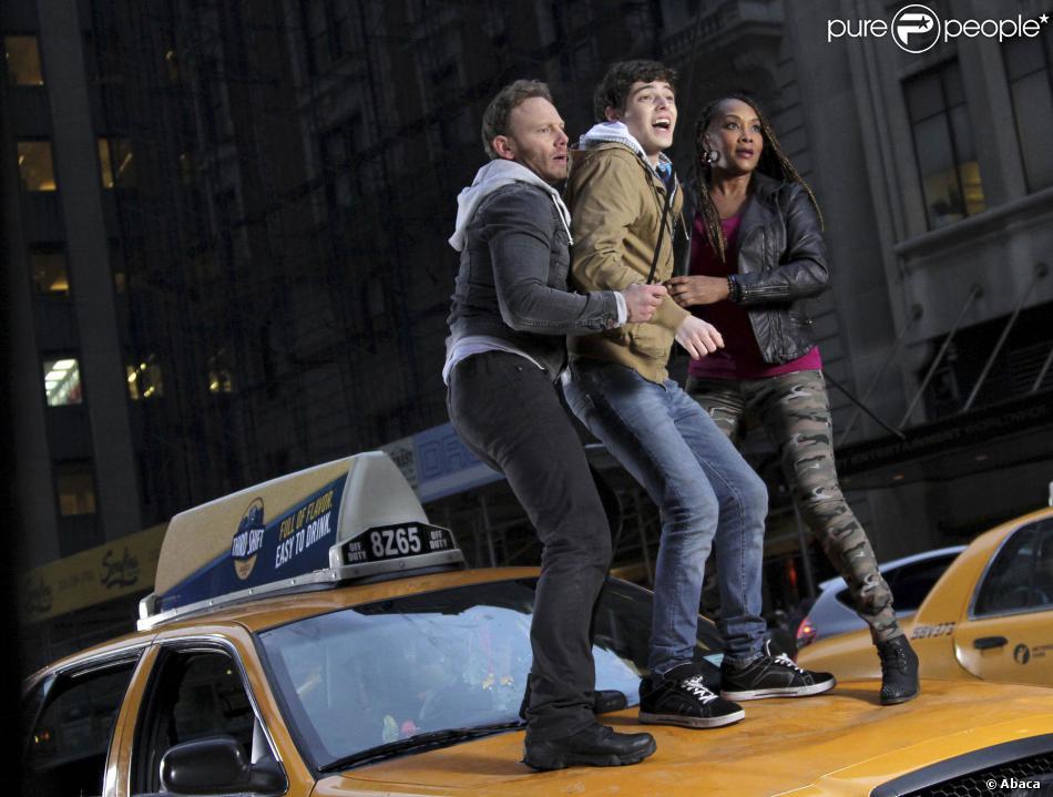Ian Ziering, Vivica A Fox, Mark McGrath, Dante Palminteri et Judd Hirsch sur le tournage de Sharknado 2: The Second One à New York le 19 février 2014.