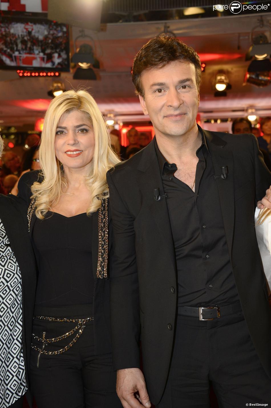 Tony Carreira et sa femme Fernanda Antunes lors de l'enregistrement de l'émission  Vivement dimanche  du 2 mars 2014, le 26 février à Paris, consacrée au ''Johnny portugais'' et à son album  Nos Fiançailles, Portugal-France .
