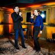 Tony Carreira chante Sous le vent avec Natasha St-Pier. Showcase pour le lancement de l'album de Tony Carreira,  Nos fiancailles, France/Portugal , au No Comment à Paris, le 23 janvier 2014.