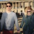 Kate Mara et Max Minghella au défilé Louis Vuitton à Paris, le 5 mars 2014.