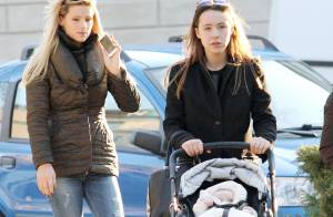 Michelle Hunziker : Maman radieuse en balade avec Aurora et la petite Sole