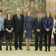 Letizia d'Espagne reçoit des membres de la version espagnole de Vogue, au Palais de la Zarzuela, à Madrid, le 14 mars 2014.