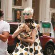 Carlos Leon et sa petite amie... et leur chien Woofy !