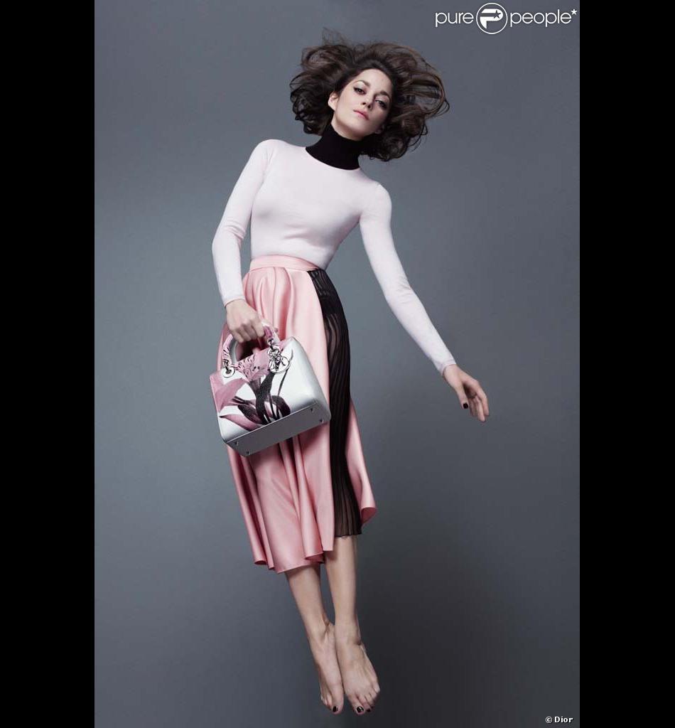 Marion Cotillard, photographiée par Jean-Baptiste Mondino pour la nouvelle campagne Lady Dior.