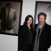 Géraldine Pailhas, amoureuse, et l'icône Patti Smith saluent Robert Mapplethorpe