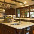 La jolie Sofia Vergara s'est offert cette maison de Beverly Hills pour la somme de 10,6 millions de dollars.