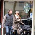 Exclusif - La princesse Madeleine de Suède, son mari Chris O'Neill et leur fille Leonore ainsi que leur chien Zorro se promènent dans les rue de New York le 29 mars 2014.