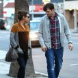 Ashton Kutcher et sa fiancée Mila Kunis à Studio City, le 3 mars 2014.