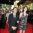 Charlotte Gainsbourg et Yvan Attal, amoureux, à Cannes en mai 2009.