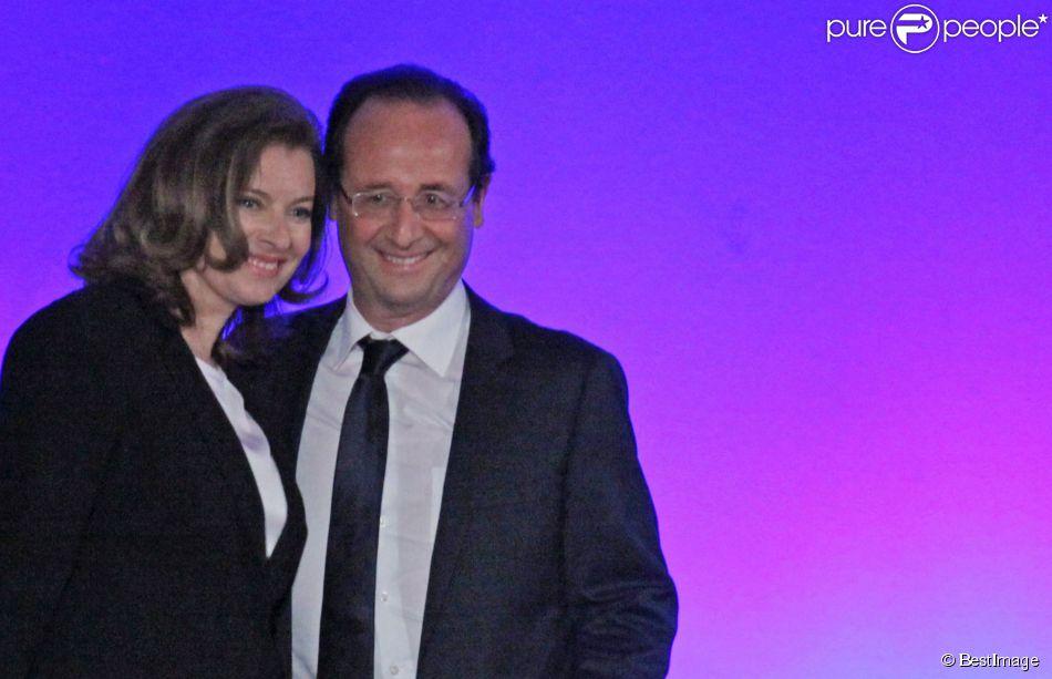 François Hollande et son ex-compagne Valérie Trierweiler, le soir de la victoire aux présidentielles, à Tulle le 6 mai 2012.