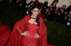 Monica Bellucci au MET Gala : Une égérie vampirique, reine du tapis rouge