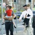 Ricky Martin avec son ex-compagnon Carlos et ses enfants Matteo et Valentino, à Sydney, le 29 mai 2013