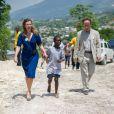 Valérie Trierweiler a visité, accompagnée par le Dr Ismail Hassouneh et Malika Tabti, un futur centre de traitement des eaux, dans le village de Bois Joute, à Haïti, le 6 mai 2014.