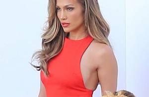 Jennifer Lopez : Bombe sexy dans sa petite robe rouge, la diva R'n'B épate