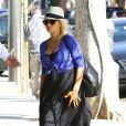 Christina Aguilera (enceinte) dans les rues de Los Angeles, le 11 mai 2014.