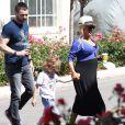 Christina Aguilera (enceinte) avec son fils et son fiancé Matt Rutler dans les rues de Los Angeles, le 11 mai 2014.