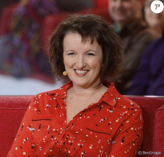 """Anne Roumanoff - Enregistrement de l'émission """"Vivement dimanche"""" à Paris le 5 mars 2014. (diffusée le 9 mars)."""