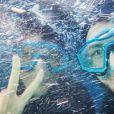 Shy'm : selfie dans une cage à requins à Cape Town