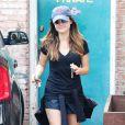 Lucy Hale à West Hollywood, le 8 mai 2014.