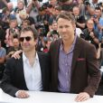 "Atom Egoyan, Ryan Reynolds - Photocall du film ""Captives"" au 67e Festival du Film de Cannes, le 16 mai 2014."