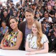 "Rosario Dawson, Ryan Reynolds, Mireille Enos (enceinte) - Photocall du film ""Captives"" au 67e Festival du Film de Cannes, le 16 mai 2014."