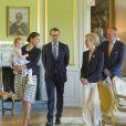 Il y a désormais un Salon Duchesse Estelle au château de Linköping. La princesse Estelle de Suède, 2 ans, se rendait avec ses parents la princesse Victoria et le prince Daniel pour la première fois le 17 mai 2014 dans la province d'Östergötland, dont elle est duchesse, pour visiter le château de Linköping et inaugurer le Chemin des contes de fées qu'elle avait reçu en cadeau à l'occasion de son baptême en mai 2012