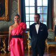 La princesse Victoria de Suède, sublime en robe corail, participait le 16 mai 2014 au palais royal, à Stockholm, au deuxième dîner d'Etat de l'année avec son époux le prince Daniel, le roi Carl XVI Gustaf de Suède, la reine Silvia et le prince Carl Philip.