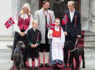 La famille royale de Norvège à la fête : Le beau Marius dépasse le prince Haakon