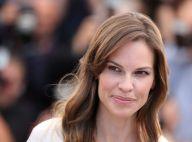 Cannes 2014 : Hilary Swank fête son grand retour avec Tommy Lee Jones, souriant