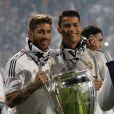 Sergio Ramos et Cristiano Ronaldo fêtent leur victoire en Ligue des champions au stade Bernabeu à Madrid en Espagne le 25 mai 2014.