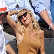 Roland-Garros - Enora Malagré, ravissante : Un rayon de soleil dans les tribunes