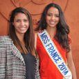 Chloé Mortaud et Flora Coquerel, Miss France 2014, au village Roland-Garros à Paris, le 3 juin 2014.