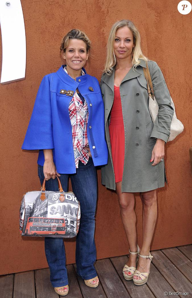 laura tenoudji et charlotte bouteloup au village roland garros paris le 3 juin 2014. Black Bedroom Furniture Sets. Home Design Ideas