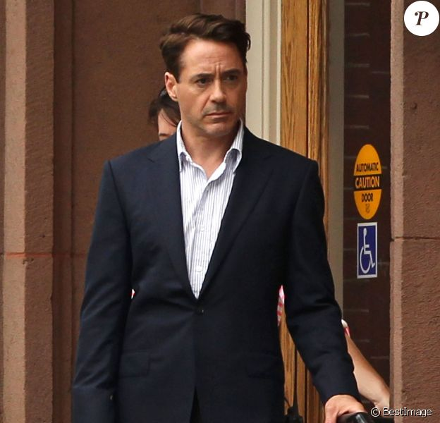 """Robert Downey Jr. sur le tournage du film """"The Judge"""" à Shelburne Falls, le 6 juin 2013"""