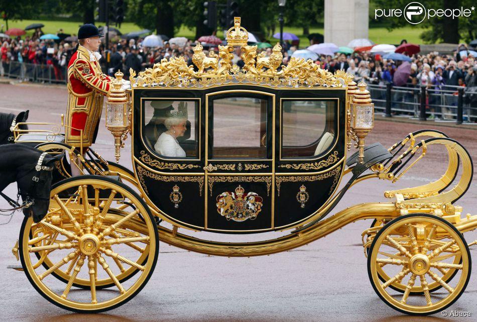 Elizabeth ii reliques et d tails geek son nouveau - Cendrillon et son carrosse ...