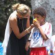Heidi Klum, maman poule lors d' un match de football à Brentwood. Le 7 juin 2014