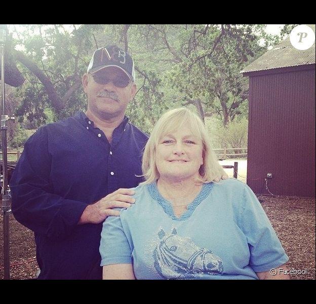 Debbie Rowe est censée dire oui à Marc Schaffel qui s'avère être encore marié à son ancienne compagne.