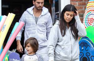 Kourtney Kardashian, enceinte : Détendue en famille, mais radine au resto ?