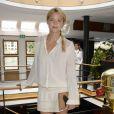 """Virginie Efira lors de la 4ème édition du """"Brunch Blanc"""" sur le bateau Le Paquebot à Paris, le 29 juin 2014."""