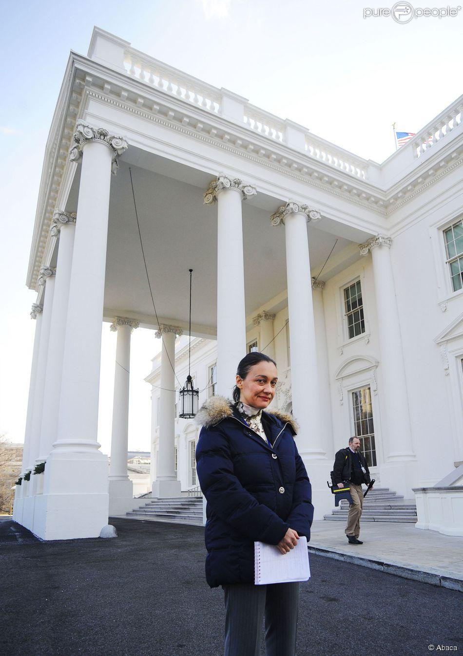 Laurence Haim devant la Maison Blanche à Washington, le 4 février 2009
