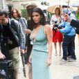 Kim Kardashian arrive à l'hôtel Salomon de Rothschild pour assister au défilé Valentino haute couture automne-hiver 2014-2015. Paris, le 9 juillet 2014.
