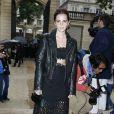 Emma Watson arrive à l'hôtel Salomon de Rothschild pour assister au défilé Valentino haute couture automne-hiver 2014-2015. Paris, le 9 juillet 2014.