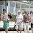 Ellen DeGeneres et sa femme Portia de Rossi, se baladent avec Gavin Rossdale et son fils Kingston