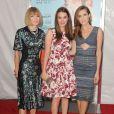"""Anna Wintour, Bee Shaffer, Allison Williams à la première du film """"Wish I Was Here"""" au AMC Lincoln Square Theatre à New York. Le 14 juillet 2014."""