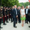 Le roi Philippe et la reine Mathilde de Belgique dans le parc royal de Bruxelles, à l'occasion de la fête nationale, le 21 juillet 2014.