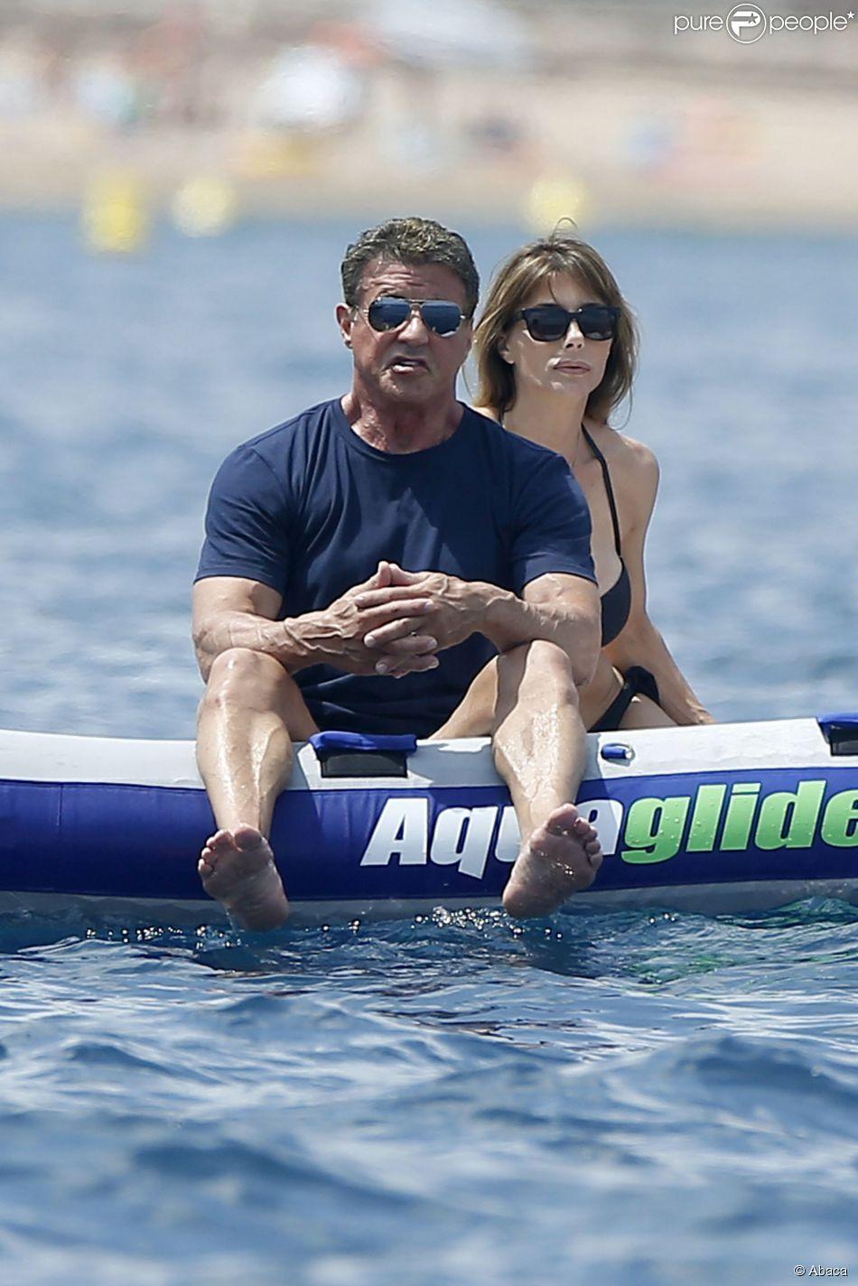 Sylvester Stallone avec sa femme Jennifer Flavin à Théoule-sur-Mer, sud de la France, le 28 juillet 2014.