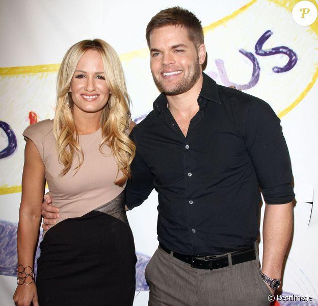 """Wes Chatham et sa femme Jenn Brown - Soirée """"Stand Up For Gus"""" à West Hollywood, le 13 novembre 2013."""