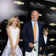 Kelsey Grammer avec ses enfants Mason et Jude lors de la projection de Transformers : Age Of Extinction au Ziegfeld Theater de New York le 25 juin 2014
