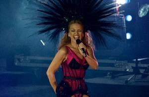 Kylie Minogue, toujours aussi sexy à 46 ans : La bombe fait le show en Écosse !
